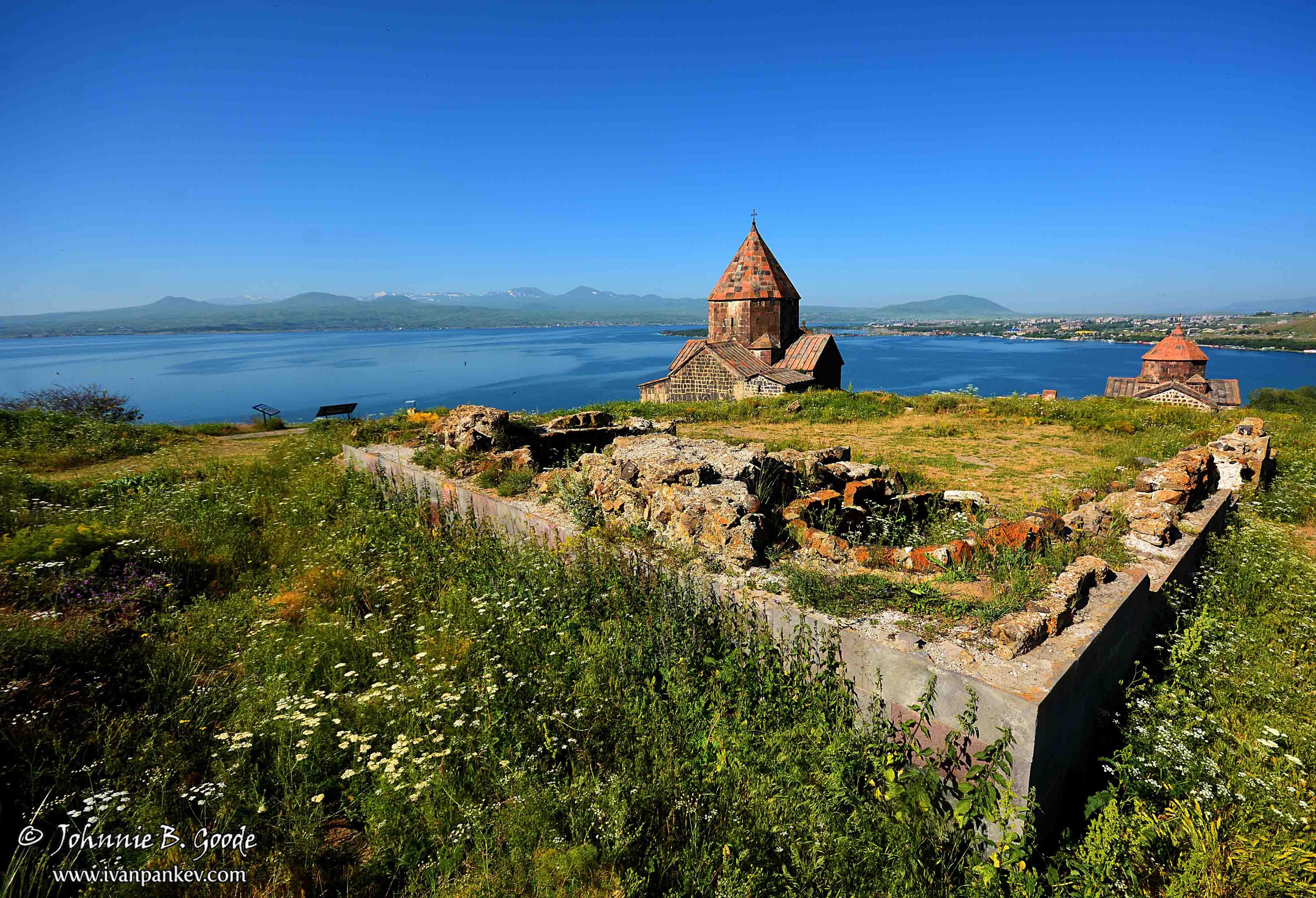 Armenia's_Roof_01