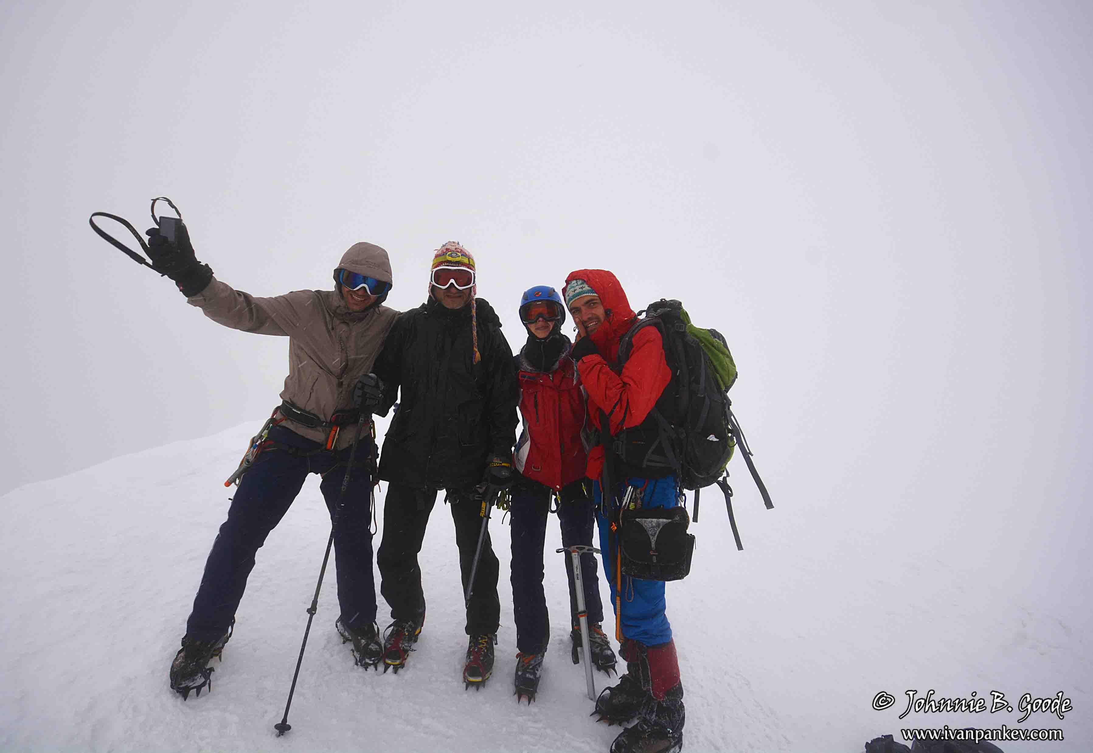 На връх Казбек 11